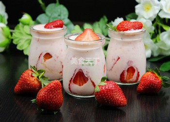 草莓奶昔的自制做法(图示)