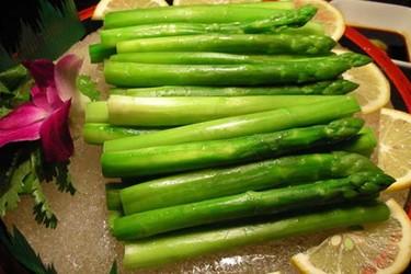 蘆筍食用的功效與作用及禁忌(蔬菜膳食)