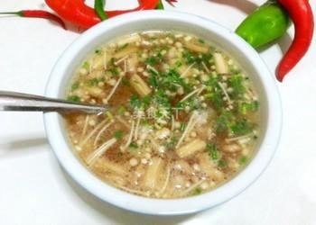 """家庭廚房美味湯""""金針菇瘦肉湯""""的做法"""