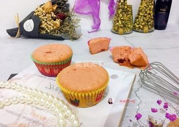 海绵蔓越莓蛋糕杯的图示自制做法