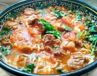 西紅柿燉牛肉的自制做法(美食廚藝)