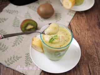 自制饮料:奇异果香蕉思慕雪的手工做法