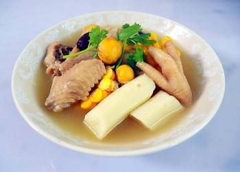 自制湯羹:母雞山藥玉米湯的手工做法