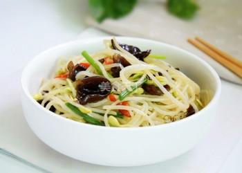 美食厨艺:木耳炒豆芽的图示做法