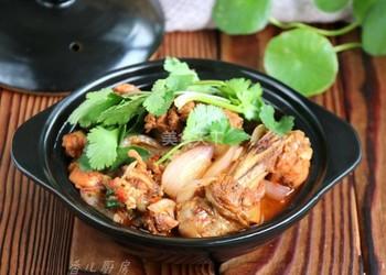 美食廚藝:雞公煲的圖示手工做法