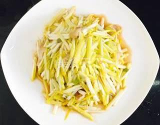 圖示做法:五花肉炒蒜黃的手工制作
