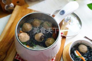 圖解:牛肉丸蘿卜紫菜湯的手工做法