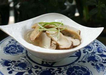 食用菌菜譜:松茸燉雞的菜譜做法