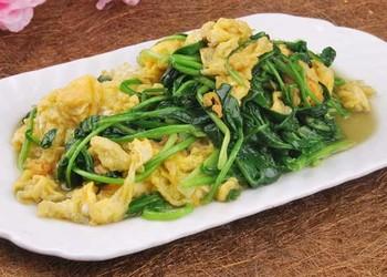 菠菜炒雞蛋的廚房廚藝做法