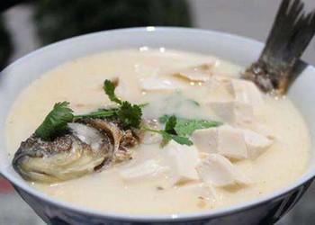產婦鯽魚湯的食膳功效及手工做法