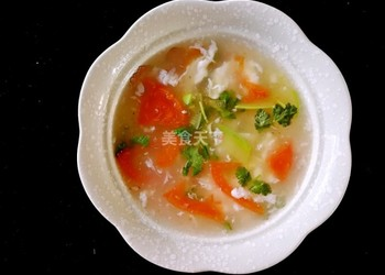 圖解教材:西紅柿蛋白瓜片湯的手工做法