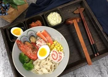手工制作日式海鲜拉面的图文教材
