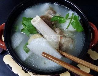 羊骨山药汤的手工教程(图示)