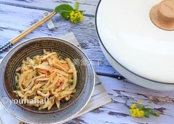 圖文演示:茶筍炒肉絲的手工烹制法