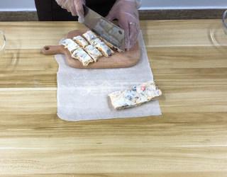 手工制作咸蛋黃雪花酥的做法(圖文演示)