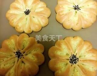 手工烘焙:椰蓉花朵面包的图解制作