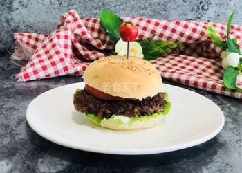 牛肉漢堡(主食)的手工做法