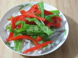 圖示:彩椒拌藕(涼菜)的手工做法