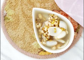 图文演示:绿豆薏米百合汤的做法