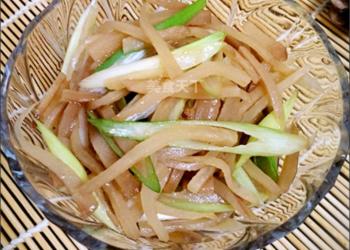 農家自制蔥拌咸菜的做法(圖示)