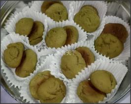 圖文:手工制作抹茶小酥餅的做法